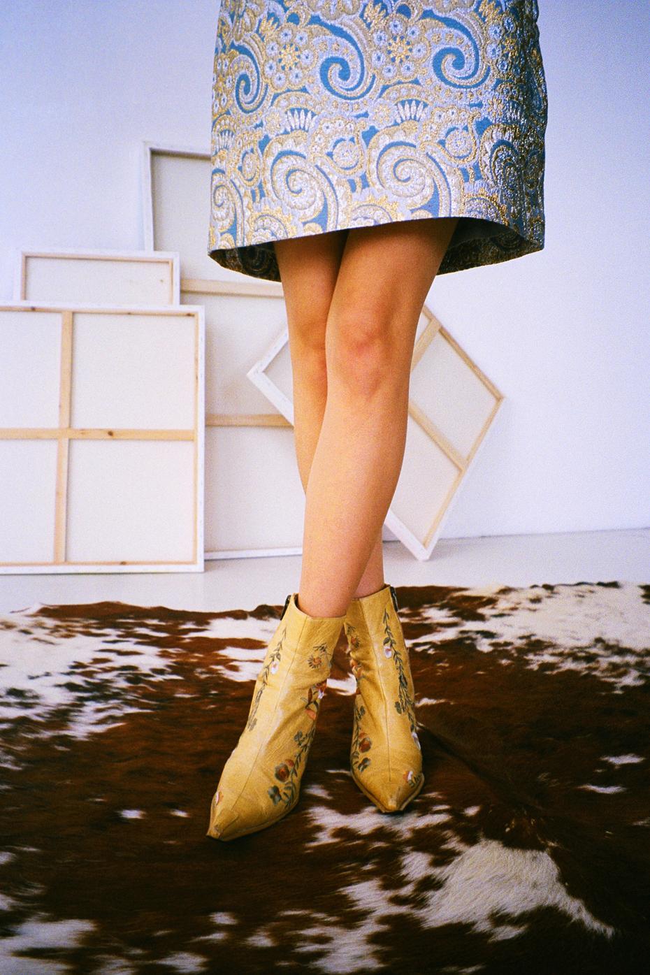 rich girl - chloe nour 4